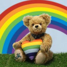 Regenbogen Bär  - für Toleranz und Weltoffenheit 33 cm Teddy Bear by Hermann-Coburg