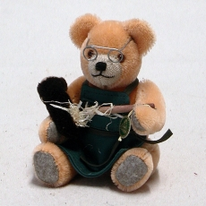 Club Bär 2016 – Bärenstopfer 19 cm Teddy Bear by Hermann-Coburg