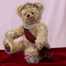 Queen Elizabeth II Celebration Bear for Her Majesty's 95th birthday on 21st April 2021 34 cm Teddy Bear by Hermann-Coburg
