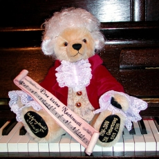 Wolfgang Amadeus Mozart  35 cm Teddybär von Hermann-Coburg