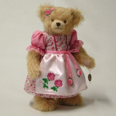 Rosenkönigin 35 cm Teddy Bear by Hermann-Coburg