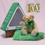 Der Bär im grünen Dreieck (Mohairfarbe blond) 34 cm Teddy Bear by Hermann-Coburg