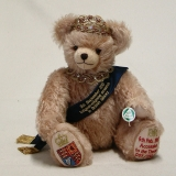 The Queen – longest reigning monarchCelebration Bear 36 cm Teddy Bear by Hermann-Coburg