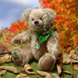 Little Hazelnut Bear 33 cm Teddy Bear by Hermann-Coburg