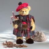 Bagpiper - Dudelsackspieler 41 cm Teddybär von Hermann-Coburg