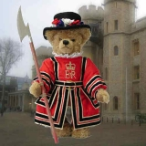 Beefeater - The Royal Yeoman Warder 34 cm Teddybär von Hermann-Coburg