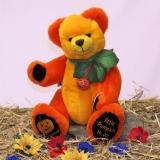 Little Pumpkin – a pumpkin child to squeak and smooch 34 cm Teddy Bear by Hermann-Coburg