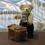 Bayerischer Herzbubwith old bavarain miniaturhammered dulcimer 15 cm Teddy Bear by Hermann-Coburg