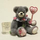 Sweet Valentine mit Herz (Modell 2019) 29 cm Teddybär von Hermann-Coburg